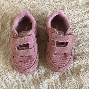 Saucony baby girl tennis shoes 4